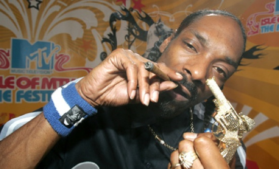 SNOOP DOGG SAYS HE SMOKED WEED IN THE WHITE HOUSE! (VIDEO)