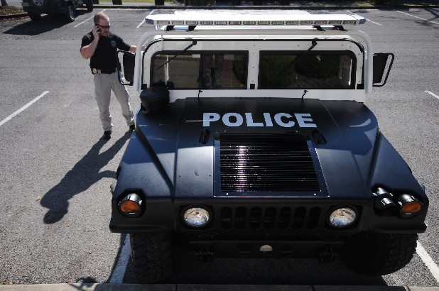 UNBELIEVABLE! POLICE LOSE RIFLES, PISTOLS AND EVEN HUMVEE'S!