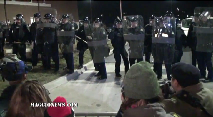 ***SHOCKING*** RIOT FOOTAGE FROM THE FRONT LINES IN FERGUSON!