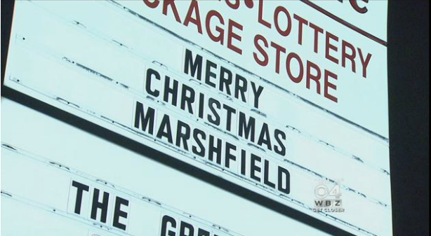 MARSHFIELD RESIDENTS FIGHT OFFICIALS TO DISPLAY MERRY CHRISTMAS SIGNS!
