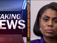 BREAKING: Omarosa Just BUSTED! She's Been A SPY ALL ALONG! LOOK Who It Was FOR!